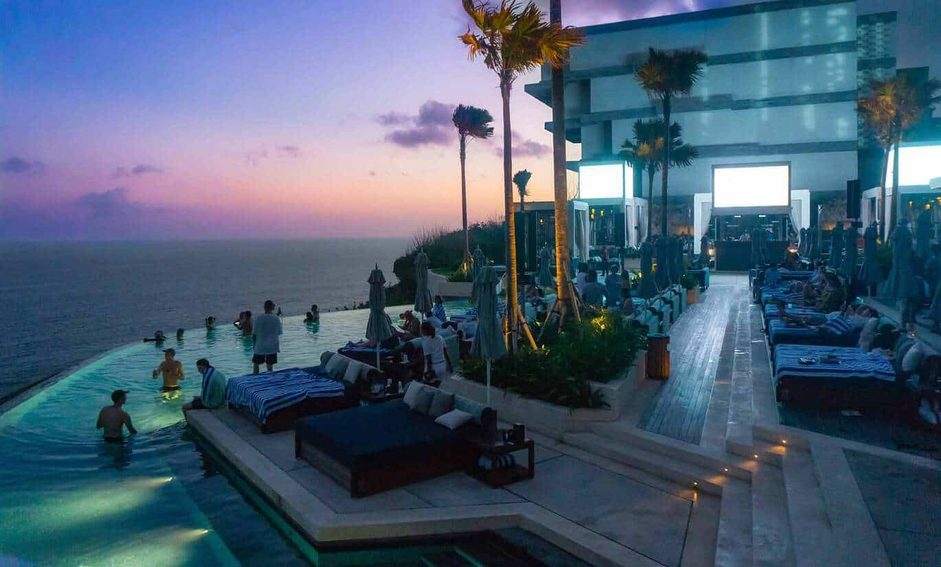 omnia beach club uluwatu