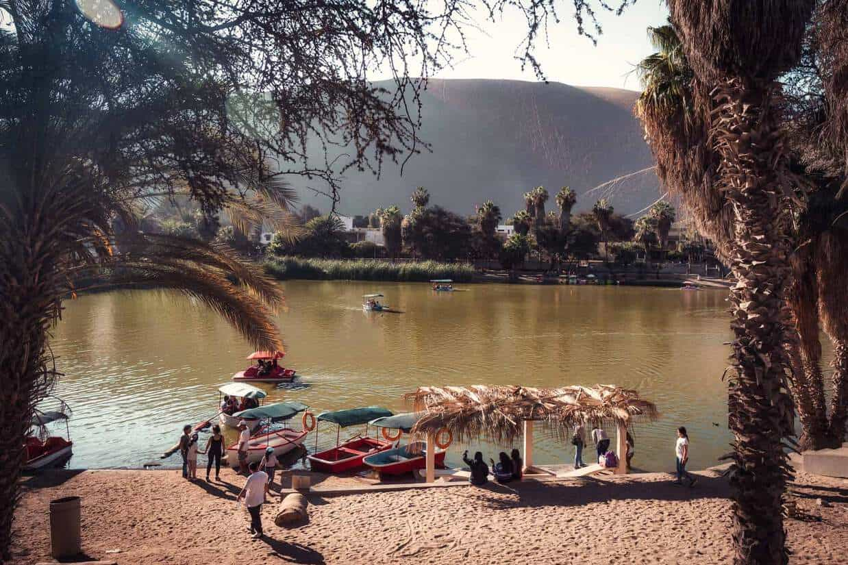 huacachina oasis lake